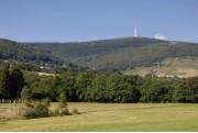 Prairie d'altitude en Montagne Noire, dominée par le Pic de Nore !